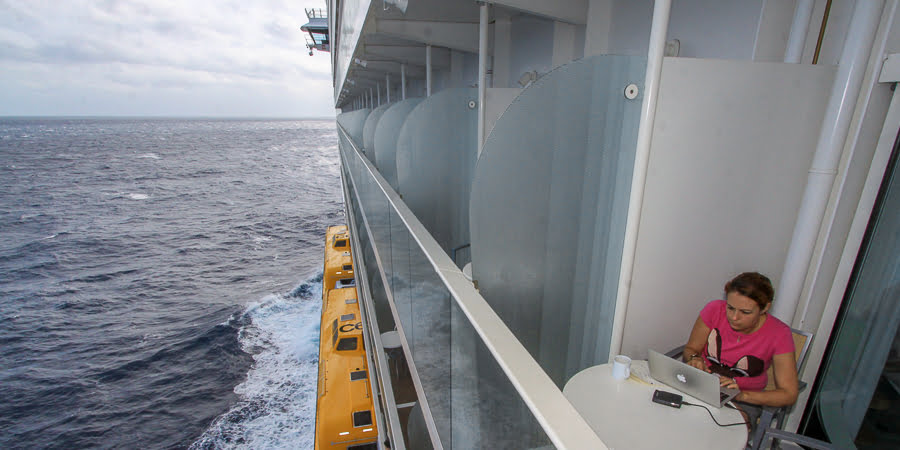 allure-of-the-seas-working