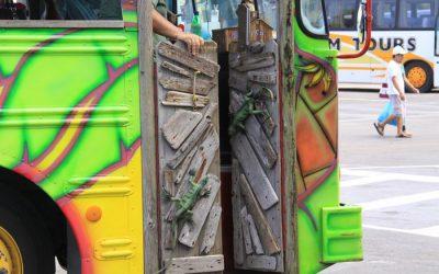 Aruba – Party bus!