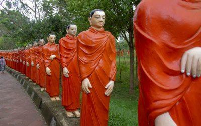 Nellikulama Temple – 500 Arhat and Buddha statues
