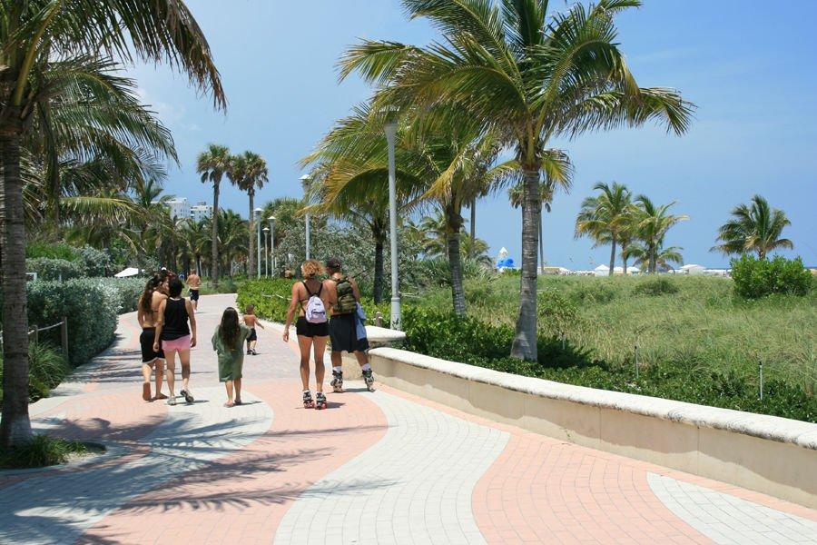 Beach-walk-south-beach