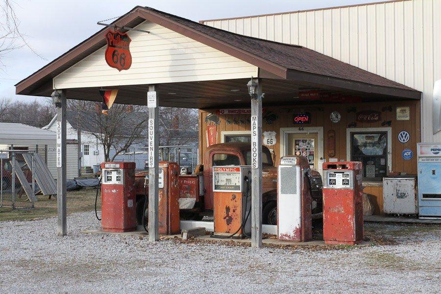 Henrys-Rabbit-Ranch---Staunton,-Illinois