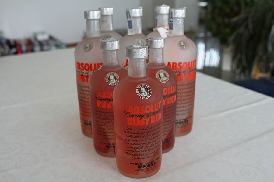 Absolut Ruby Red 5 x 1 liter & 3 x 0,7 liter