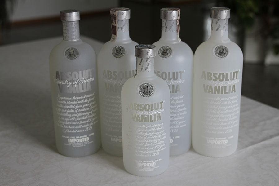 Absolut Vanilia 4 x 1 liter & 1 x 0,7 liter