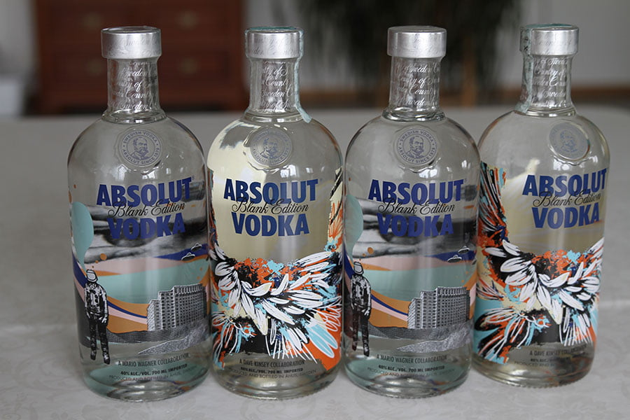 Absolut Blank Edition 4 x 0,7 liter. 2 of each