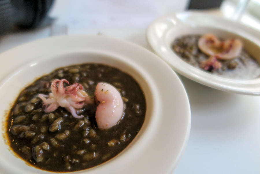 Black rice with mini octopus