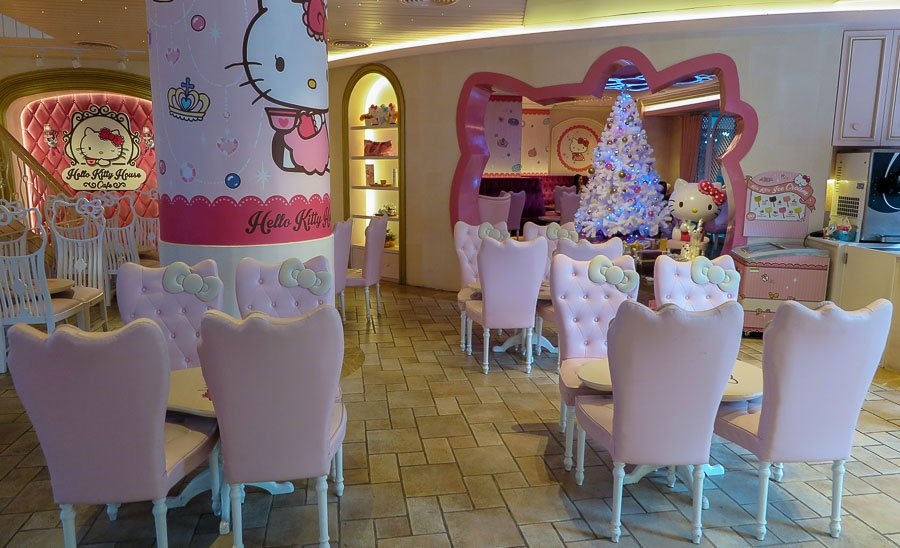 Say Hello to the Kitty at Hello Kitty Café in Bangkok, Thailand