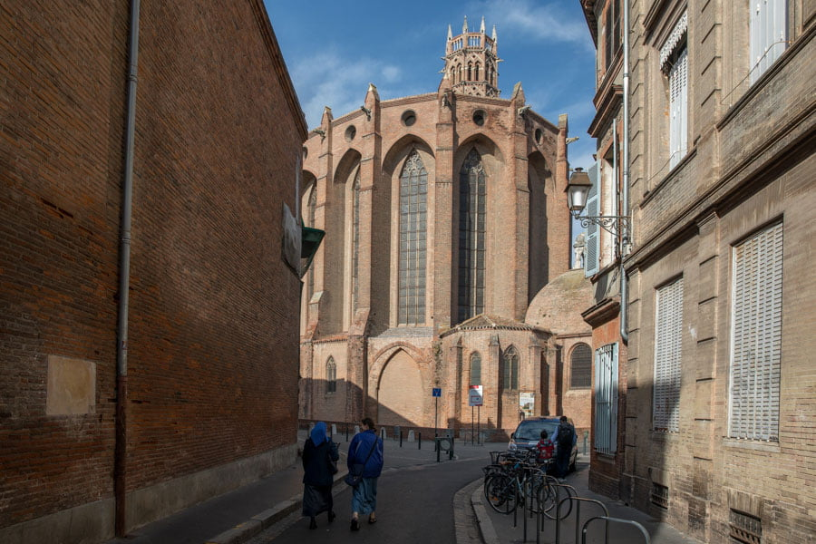 Visit a monastery in Toulouse