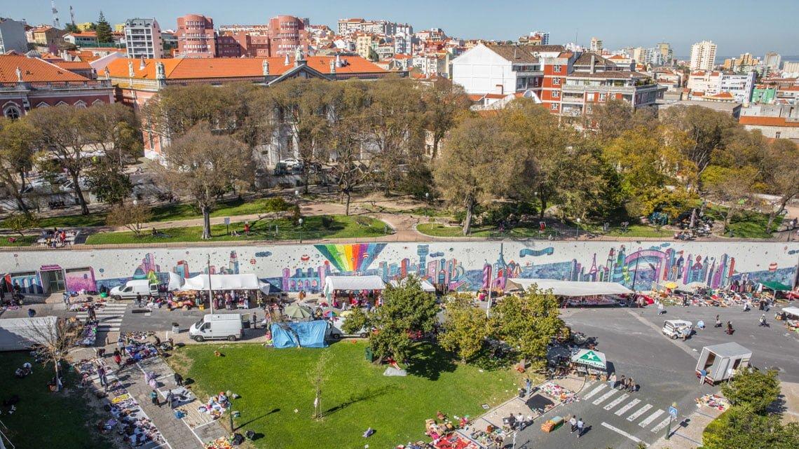 Feira da Ladra market in Lisbon
