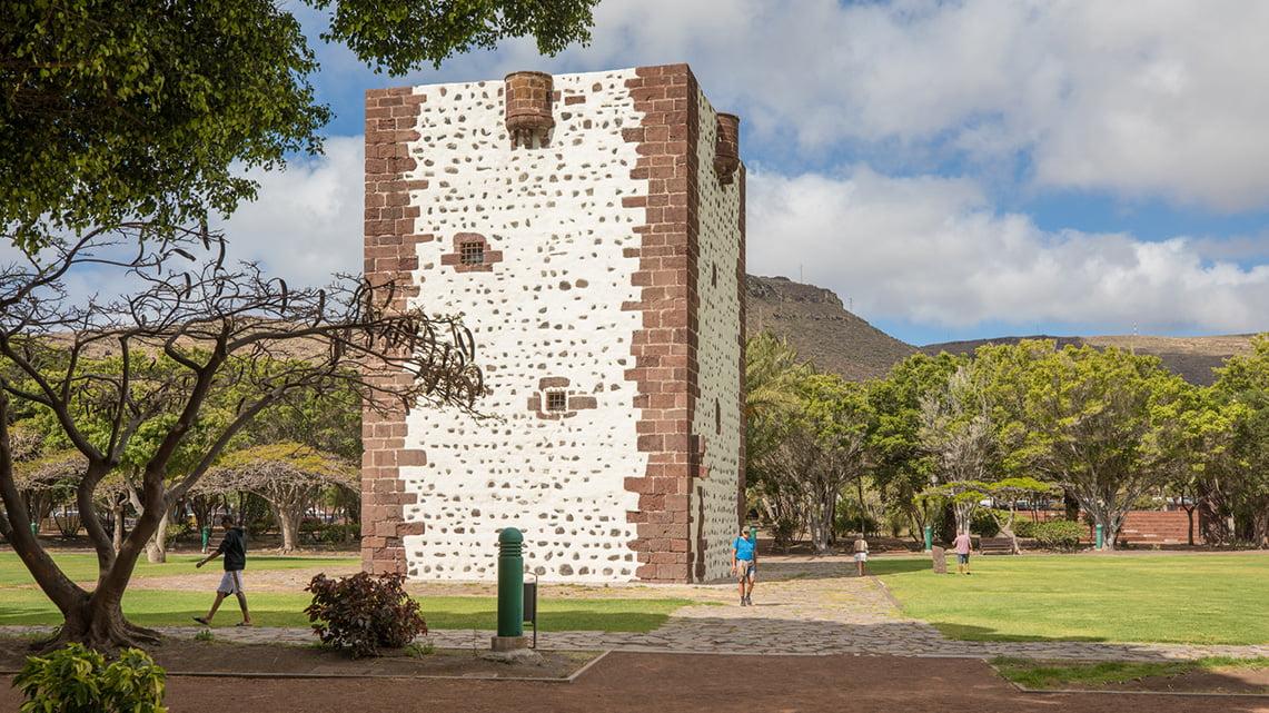 Guide to La Gomera - Torre del Conde in San Sebastian
