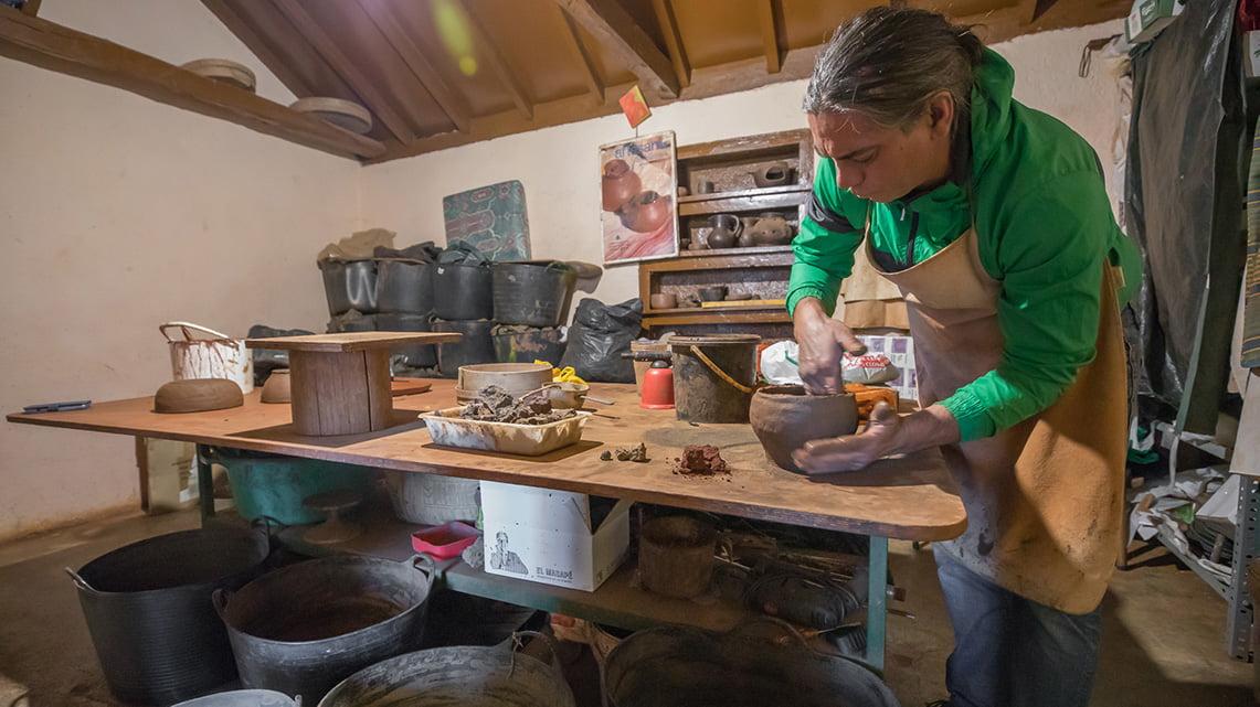 Visit the pottery village El Cercado