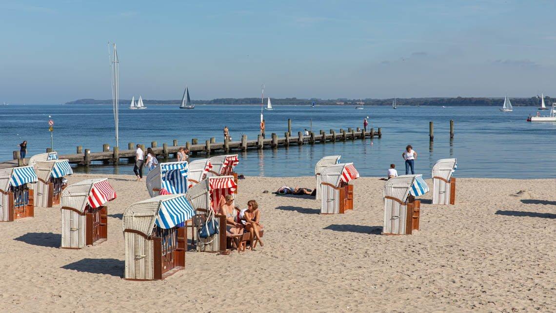 Rent a Strandkorb at the beach