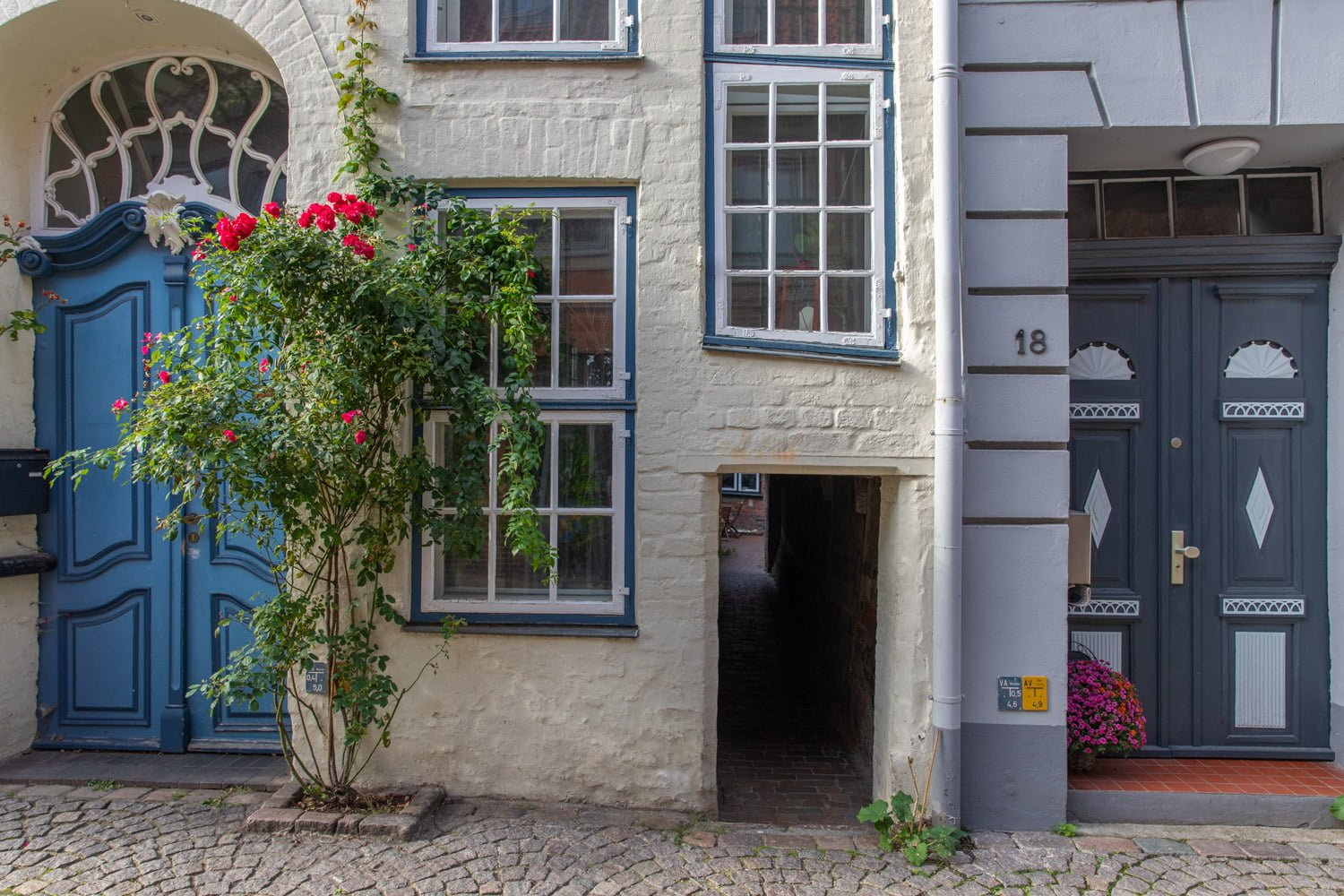 Visit the medieval Courtyards