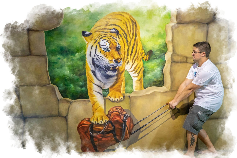 Tiger VS suitcase