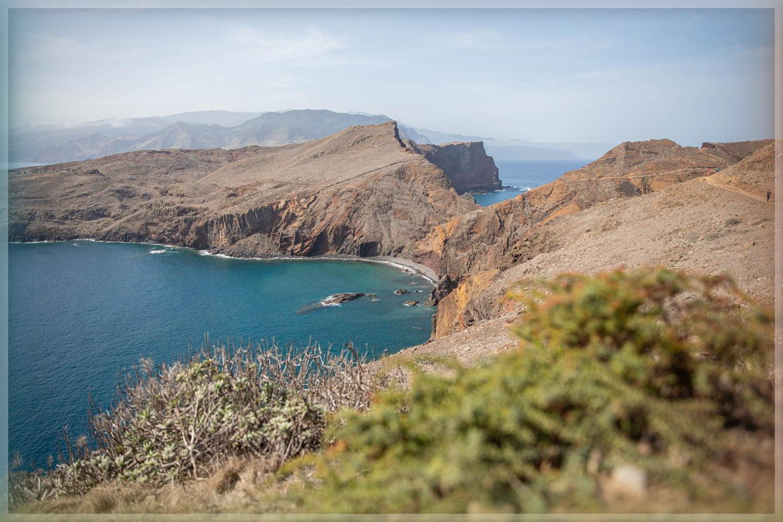 How long and difficult is the Ponta de Sao Lourenco Walk?