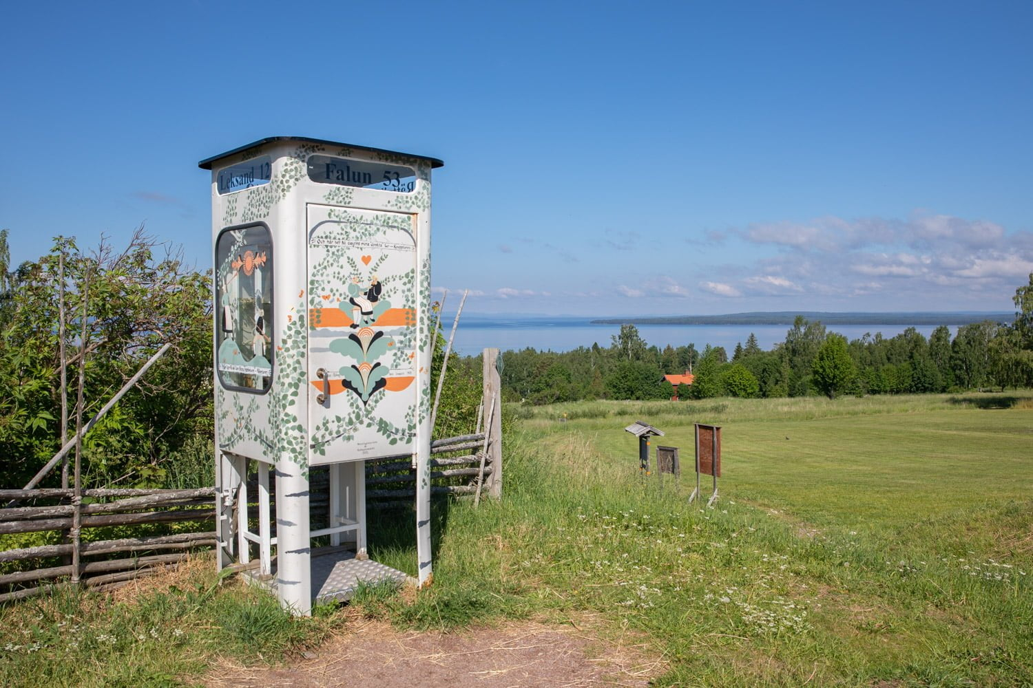 Swedens most photographed phone booth i Tallberg, Sweden