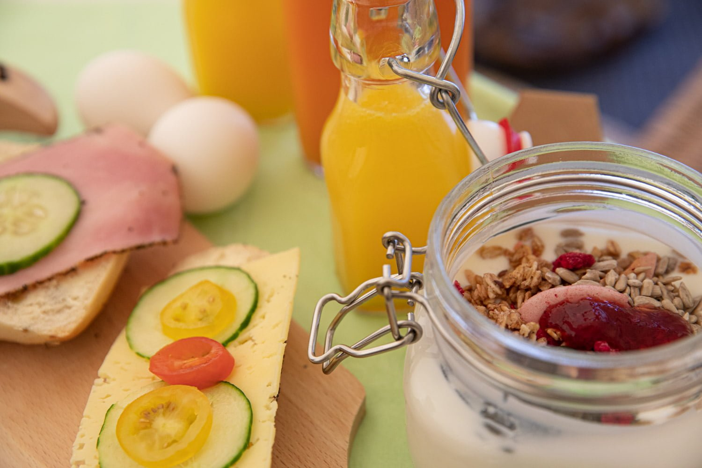 Breakfast while Glamping in Dalarna