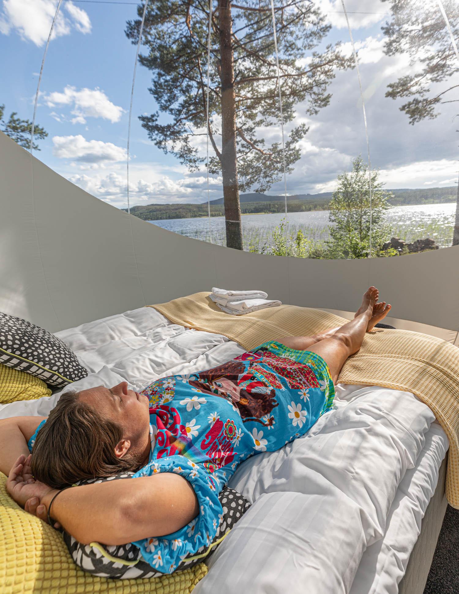 Sleep in a bubble in Dalarna